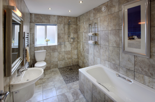 Bathroom, Farriers View, Northumberland