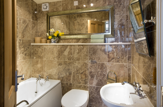 Bathroom, Pine Chalet, Northumberland